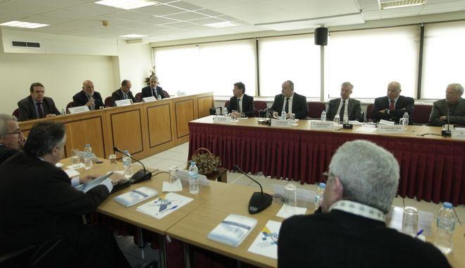 Υπό την προεδρία του προέδρου της ΟΚΕ συνεδρίασε η ολομέλεια των μελών της