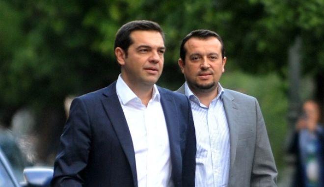 Ο πρόεδρος του ΣΥΡΙΖΑ  Αλέξης Τσίπρας εισερχόμενος στο Προεδρικό Μέγαρο για να λάβει την εντολή σχηματισμού κυβέρνησης από τον Πρόεδρο της Δημοκρατίας, Προκόπη Παυλόπουλο. (EUROKINISSI/ΤΑΤΙΑΝΑ ΜΠΟΛΑΡΗ)