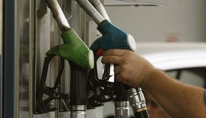 Στιγμιότυπο από πρατήριο βενζίνης