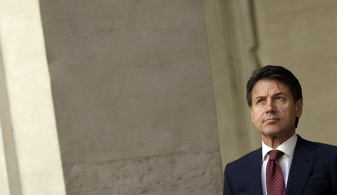 Ακυρώνει την επίσκεψη στη Γαλλία ο Κόντε σύμφωνα με ΜΜΕ