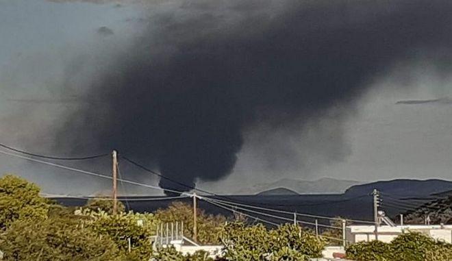 Νάξος: Μία τραυματίας από φωτιά σε τουριστικό σκάφος