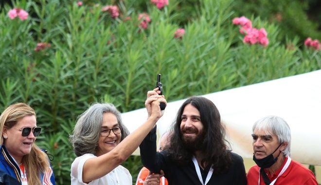 Ο Άγγελος Παπαγγελίδης Θεοδωράκης μαζί με την πρόεδρο του ΣΕΓΑΣ, Σοφία Σακοράφα