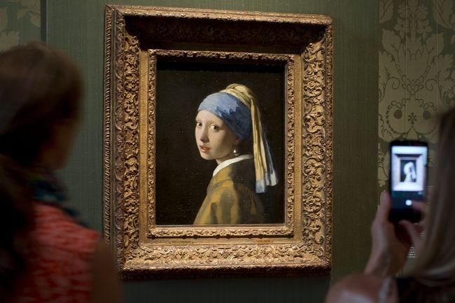 Το Κορίτσι με το Μαργαριταρένιο Σκουλαρίκι  του Πίτερ Γουέμπερ (2003)