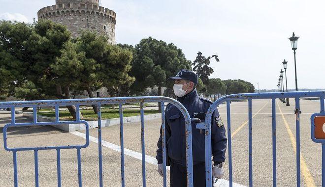 Κορονοϊός-Θεσσαλονίκη: Ελάχιστος κόσμος το πρωί στη Νέα Παραλία