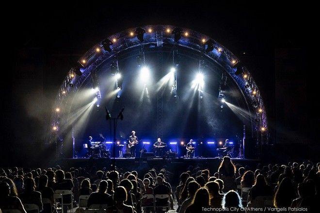 Ο Παύλος Παυλίδης στη συναυλία του στην Τεχνόπολη Δήμου Αθηναίων την Τετάρτη (01/09)