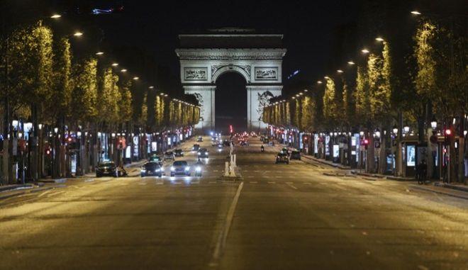 Απαγόρευση κυκλοφορίας στη Γαλλία