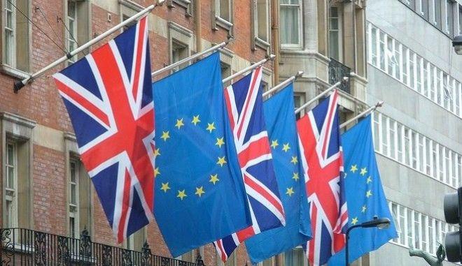 Βρετανία: Σταθερά μπροστά το 'ναι' στην παραμονή στην ΕΕ