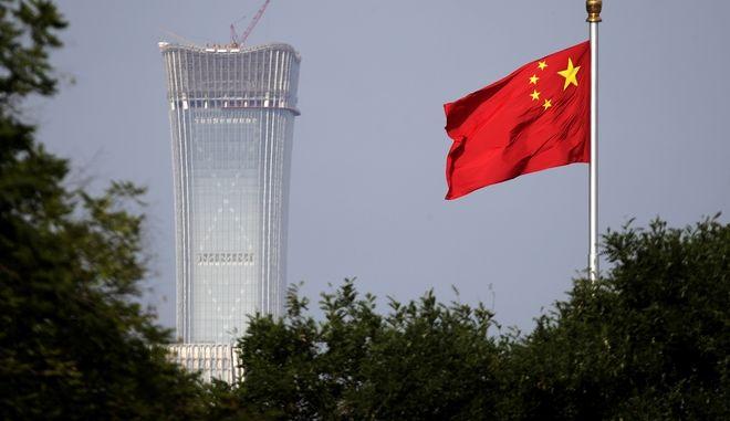 H Ουάσινγκτον ερίζει πως κινεζικές εταιρείες αποκτούν παράνομα αμερικανικές τεχνολογίες προχωρώντας σε εξαγορές αμερικανικών εταιριών