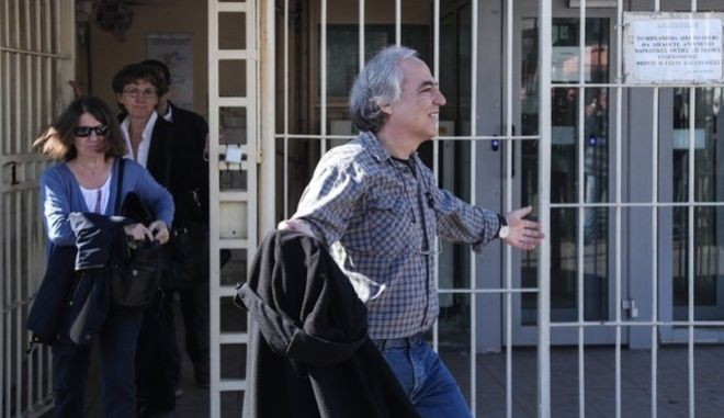 First two-days time off from prison for the member of the Revolutionary Organization 17 November, Dimitris Koufontinas, in Korydallos, Athens, on November 9, 2017 /          , , ,  9 , 2017