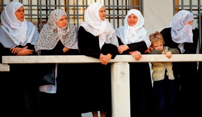 Ελλάδα: Η μόνη χώρα στην Ευρώπη που αποδέχεται τον ιερό νόμο του Ισλάμ