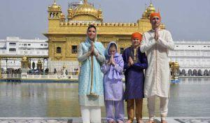 Ο Τζάστιν Τριντό σε 'φωτογράφιση μόδας' ως Ινδός