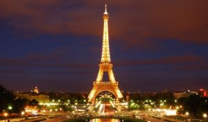 Tour Eiffel. Παρίσι, Χονγκ Κονγκ, Σιγκαπούρη: Οι ακριβότερες πόλεις για να ζει κανείς