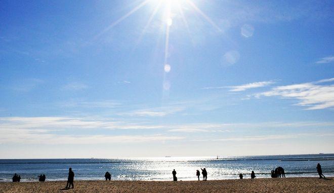 Καλοκαίρια τις επόμενες μέρες με υψηλές για την εποχή θερμοκρασίες