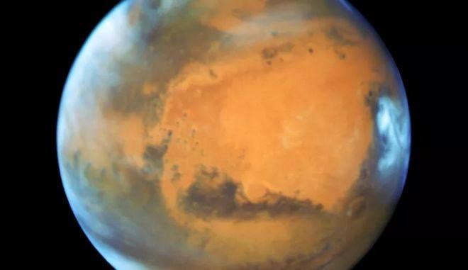 Άρης: Ευθυγραμμίζεται με τη Γη και γίνεται ο φωτεινότερος που θα δούμε μέχρι το 2035