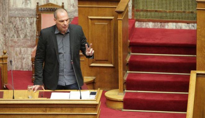 Ο υπουργός Οικονομικών Γιάνης Βαρουφάκης απαντά σε επίκαιρη ερώτηση στην Βουλη την Πέμπτη 11 Ιουνίου 2015. (EUROKINISSI/ΓΙΑΝΝΗΣ ΠΑΝΑΓΟΠΟΥΛΟΣ)