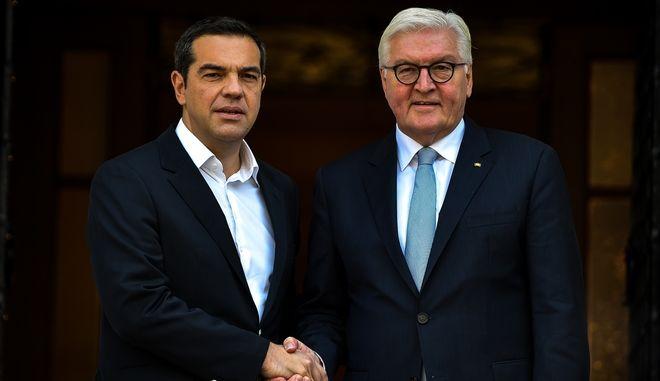 Στιγμιότπυπο από την συνάντηση του πρωθυπουργου Αλέξη Τσίπρα μετον Γερμανό Πρόεδρο Φράνκ Βάλτερ Σταϊνμάγιερ στο Μέγαρο Μαξίμου, Πέμπτη 11 Οκτωβρίου 2018 (EUROKINISSI/ΤΑΤΙΑΝΑ ΜΠΟΛΑΡΗ)