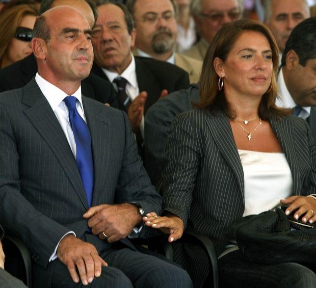 Η Συμβολαιογράφος Κατερίνα Πελέκη με τον σύζυγό της πρώην Υπουργό Γιώργο Βουλγαράκη ( ΦΩΤΟ ΑΡΧΕΙΟ 15/09/2008 )     ( EUROKINISSI / ΧΑΣΙΑΛΗΣ ΒΑΪΟΣ )