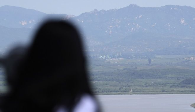 Η Νότια Κορέα απάντησε με ασκήσεις πραγματικών πυρών στον Κιμ Γιονγκ Ουν