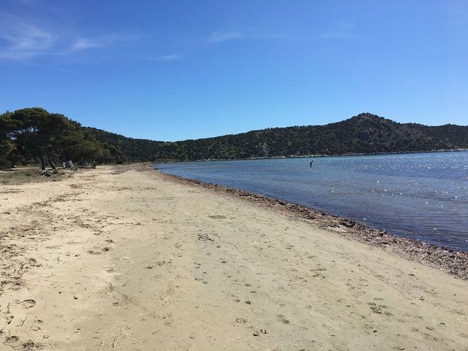 Παραλία Σχινιά: Αυθαίρετα τέλος - Έρχονται τα ...ΚΕΛ