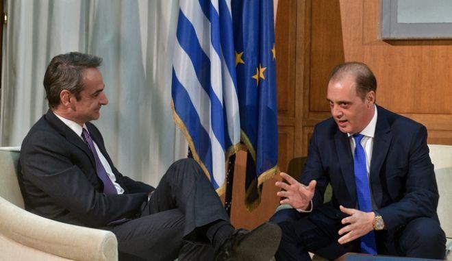 Συνάντηση του πρωθυπουργού Κυριάκου Μητσοτάκη με τον πρόεδρο της Ελληνικής Λύσης Κυριάκο Βελόπουλο