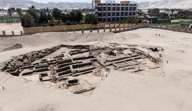 Το αρχαίο ζυθοποιείο βιομηχανικής κλίμακας που ανακαλύφθηκε στην Αίγυπτο