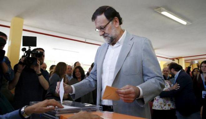 Ισπανία: Αποδυναμωμένο το Λαϊκό Κόμμα στις δημοτικές εκλογές