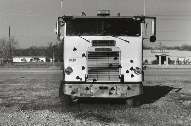 15 ασπρόμαυρες φωτογραφίες: Εκεί που μόνο ο Μπάτμαν θα μπορούσε να βρεθεί