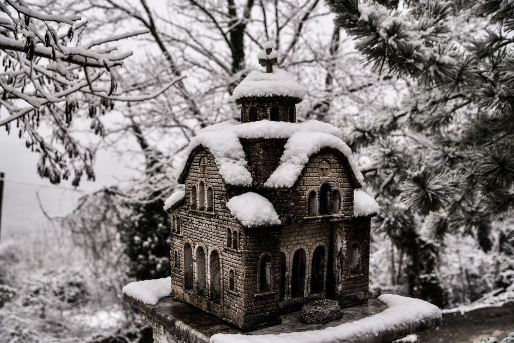 Χιονόπτωση στο ιστορικό χωριό Δερβίζιανα Ιωαννίνων
