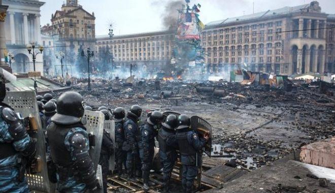 Ουκρανία: Έτοιμη η ΕΕ να επιβάλει κυρώσεις εναντίον όσων ευθύνονται για το αιματοκύλισμα