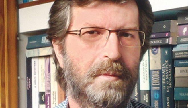 Πέθανε ο διευθυντής έκδοσης της Realnews, Βασίλης Τριανταφύλλου