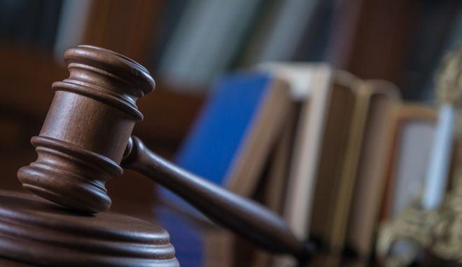 Ιταλία: Πολυετής κάθειρξη σε 33χρονο που μετέδωσε εν γνώσει του σε δεκάδες γυναίκες τον ιό HIV