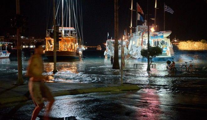 Σεισμός στην Κω: Τσιμεντένια ράμπα θα κατασκευαστεί στο λιμάνι