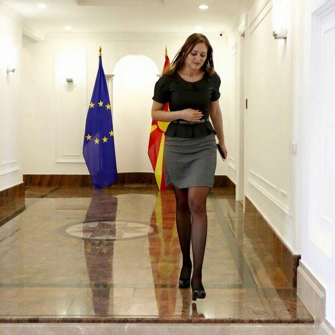 Λιούπκα Τσβετκόβα: Αυτή είναι η σύμβουλος - δεξί χέρι του Ζάεφ