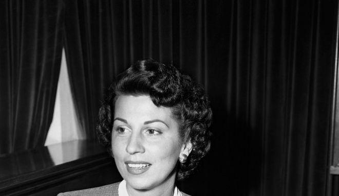 Η Νάνσι Σινάτρα, πρώτη σύζυγος του Φρανκ Σινάτρα