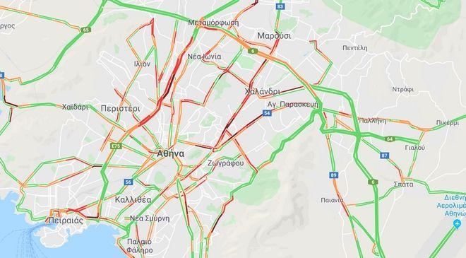 Κίνηση στους δρόμους: Μαρτύριο για τους οδηγούς στην Αθηνών-Λαμίας