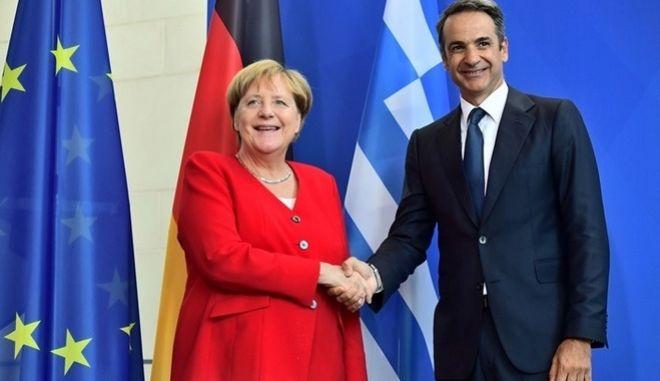 Η Γερμανία θα υποδεχθεί 1.553 πρόσφυγες από τα ελληνικά νησιά