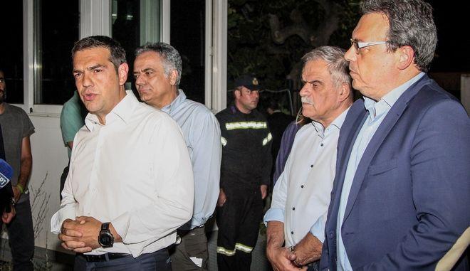 Ο πρωθυπουργός Αλέξης Τσίπρας στο κέντρο επιχειρήσεων της πυροσβεστικής στο Χαλάνδρι,Δευτέρα 23 Ιουλίου 2018