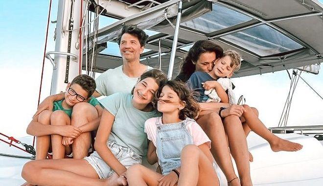 Σάκης Ρουβάς - Κάτια Ζυγούλη: Η οικογενειακή, καλοκαιρινή φωτογραφία σε σκάφος