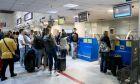 Τουρίστες στο αεροδρόμιο του Ηρακλείου