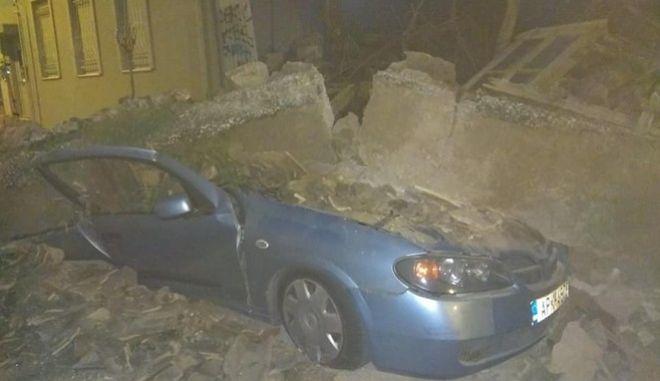 Ακατοίκητο κτίριο κατέρρευσε στο Γκάζι