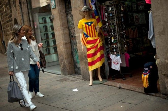 Άνοιξαν οι κάλπες για τις περιφερειακές εκλογές στην Καταλονία. Με το βλέμμα στην ανεξαρτησία