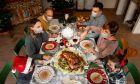 Χριστουγεννιάτικο τραπέζι στην εποχή του κορονοϊού