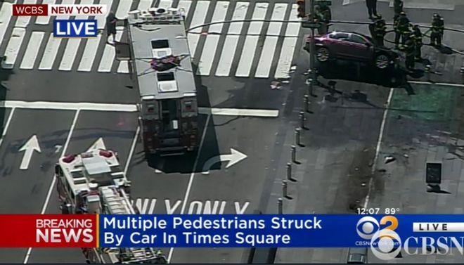 Νέα Υόρκη: Αυτοκίνητο έπεσε σε πεζούς στην Times Square