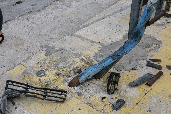 Τροχαίο στη Μεταμόρφωση. Αυτοκίνητο έπεσε πάνω σε στάση λεωφορείου με αποτέλεσμα να χάσει τη ζωή του ένα άτομο