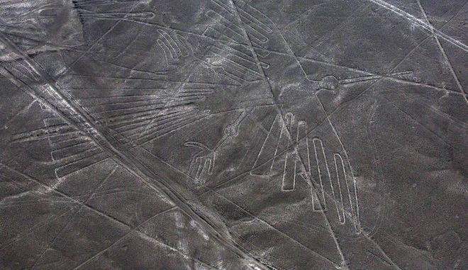 Γεώγλυφο που απεικονίζει έναν κόνδορα στη Νάσκα του Περού