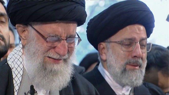 Ο Αγιατολλάχ Αλί Χαμενεΐ ανώτατος πνευματικός ηγέτης του Ιράν θρηνεί για τον Κασέμ Σουλεϊμανί