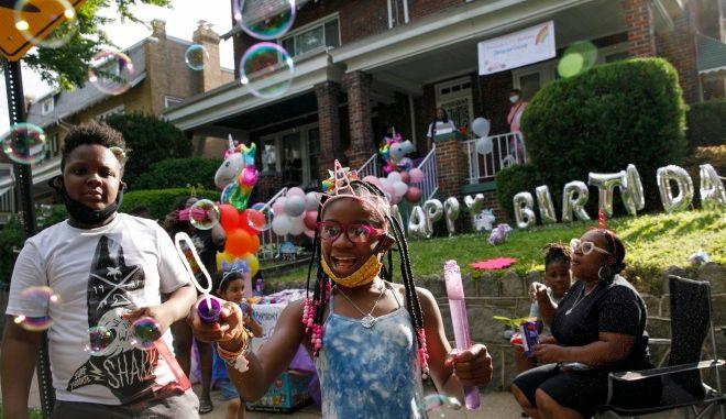 """""""Βόμβα"""" εξάπλωσης κορονοϊού τα παιδικά πάρτι"""