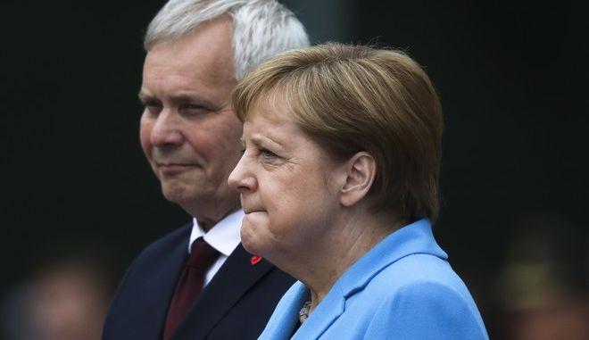 Η γερμανίδα καγκελάριος Άνγκελα Μέρκελ και ο Φινλανδός πρωθυπουργός Άντι Ρίνε