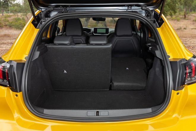 Η ατραξιόν της χρονιάς το νέο Peugeot 208