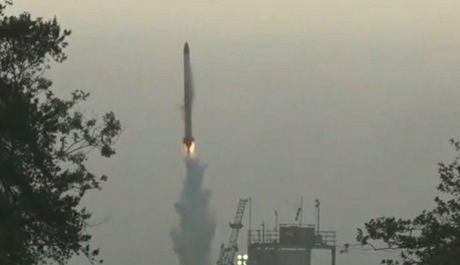 Θεαματική και άκρως αποτυχημένη η εκτόξευση του ιαπωνικού πυραύλου